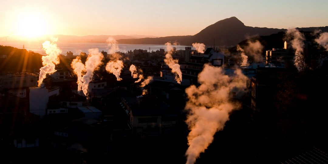 別府市の朝焼風景