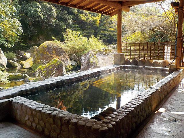 若山温泉の混浴露天風呂