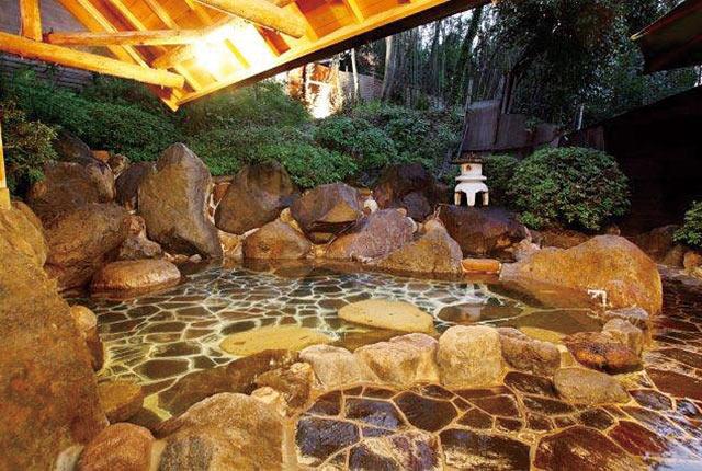 ゆの杜 竹泉の露天風呂