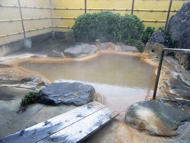友喜美荘の露天風呂