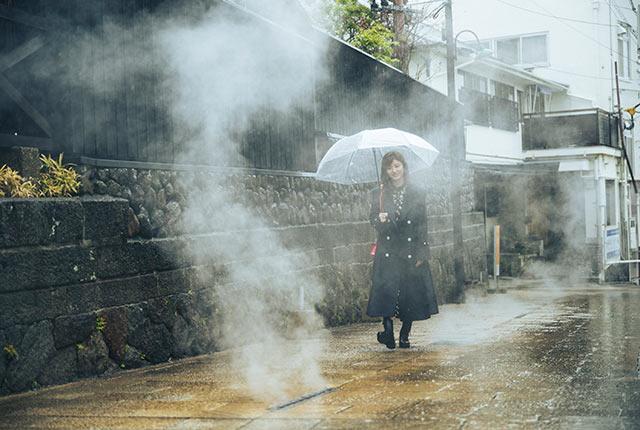 雨の中、別府のまちを散策