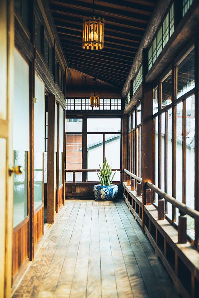 山田別荘の渡り廊下