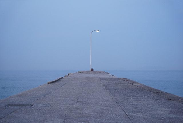 街灯を使った作品『息吹』