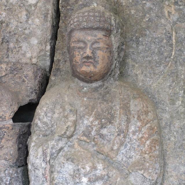 ホキ石仏第二群第二龕「阿弥陀如来立像」